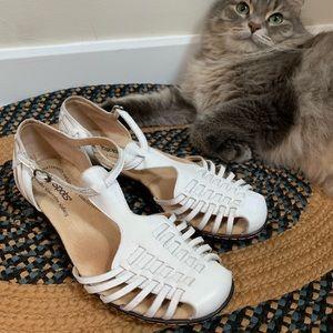 Vintage Softspots huarache sandals | Size 6.5/7W
